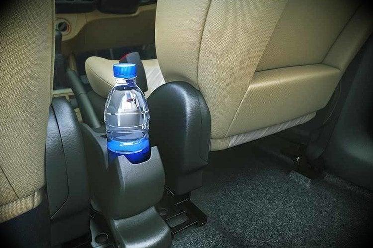 arabada su şişes