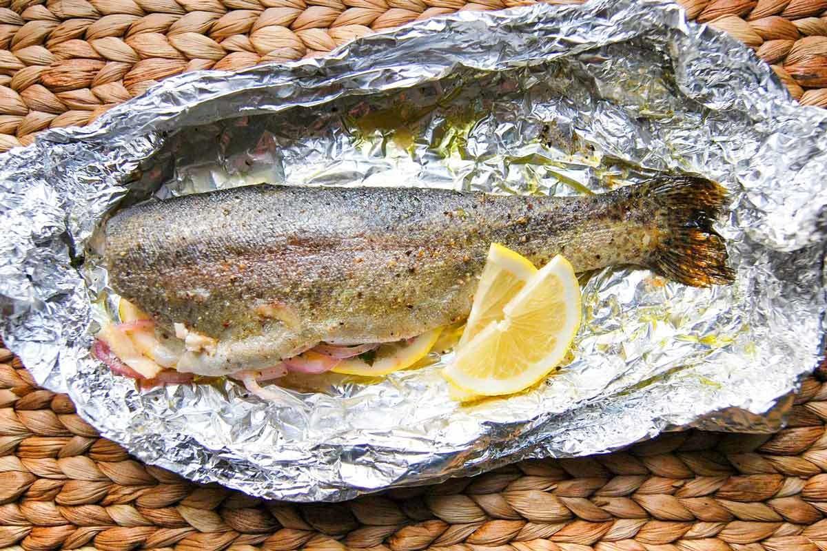 balığı saran alüminyum folyo