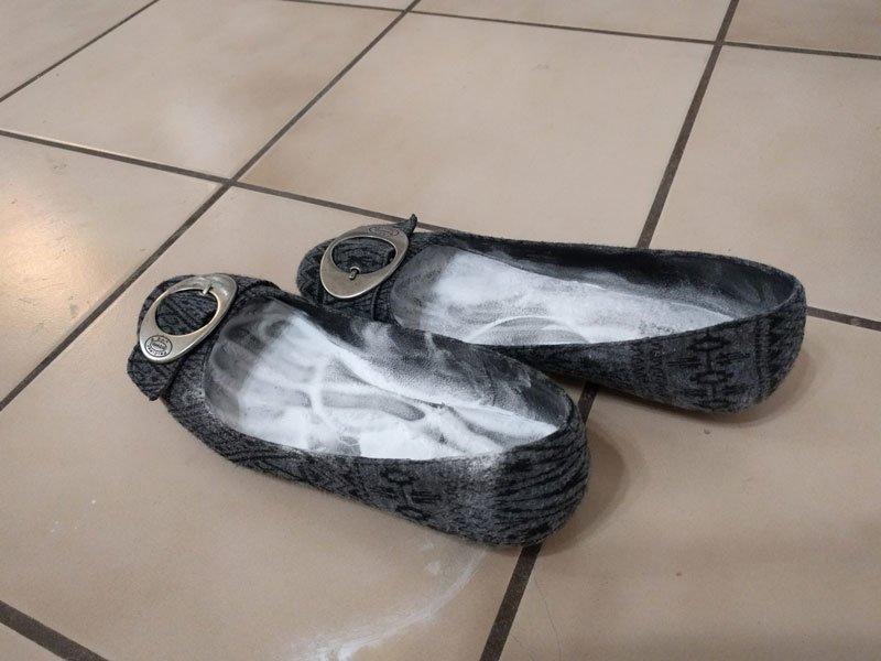 ayakkabi kokusu